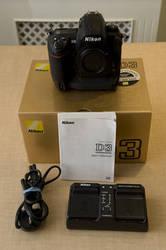 Nikon D5000 12.3 MP DX Digital SLR w/ 18-55mm f/3.5-5.6G VR Lens +